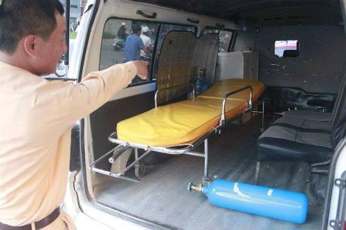 """Hà Nội: Giả xe cấp cứu 115, chở """"lậu"""" bệnh nhân 5"""