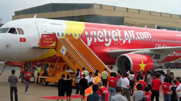 Vụ đi Đà Lạt đến Nha Trang: Vietjet Air có thể bị kiện 7