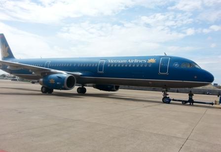 Vietnam Airlines phủ nhận việc hoãn chuyến bay 200 người để chờ...1 khách Vip 4