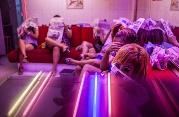 Cuộc sống của gái mại dâm ở khu đèn đỏ lớn nhất Đông Nam Á 7
