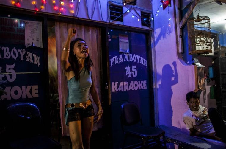 Cuộc sống của gái mại dâm ở khu đèn đỏ lớn nhất Đông Nam Á 8