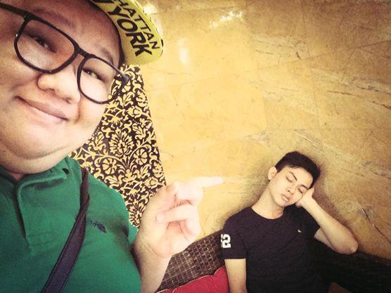 Hoài Lâm bị chụp trộm tư thế ngủ khó đỡ 6