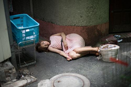 Cận cảnh cuộc sống của gái mại dâm ở khu đèn đỏ lớn nhất Tokyo 16