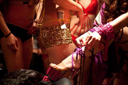 Cận cảnh cuộc sống của gái mại dâm ở khu đèn đỏ lớn nhất Tokyo 8