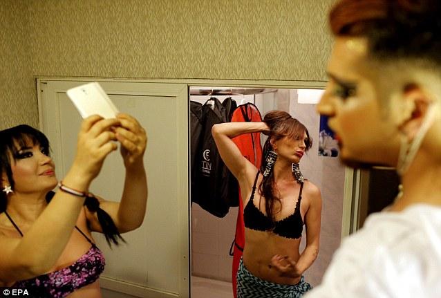 Cận cảnh cuộc thi sắc đẹp dành cho mỹ nhân chuyển giới 8