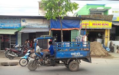 Truy lùng đôi nam nữ hạ sát người giữa phố Sài Gòn - ảnh 1