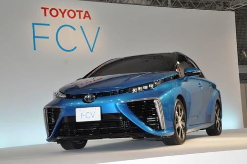 Toyota FCV 1 Toyota FCV   Chiếc xe tương lai với hứa hẹn giải quyết khủng hoảng nhiên liệu