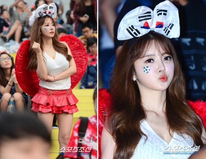 Fan nữ Hàn Quốc nhảy sexy cổ vũ World Cup 2014 10