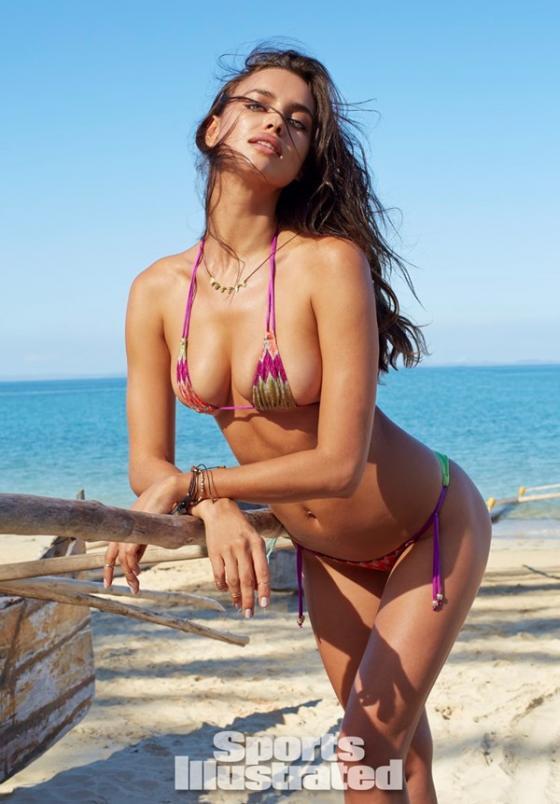 Bạn gái của C.Ronaldo vui vẻ chụp ảnh nude  9