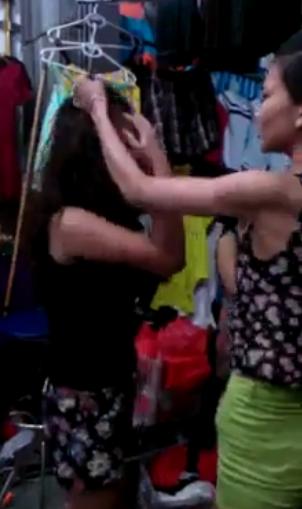 Sock clip nữ sinh Bắc Giang ăn trộm bị đánh tới tấp 5