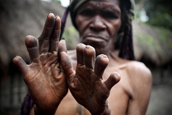 Bộ tộc ở trần hoang dã nhất hành tinh và tục lệ rợn người 9