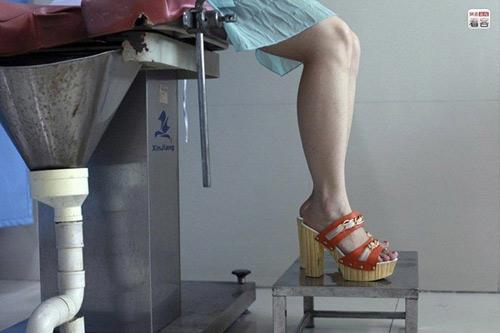 Lạnh người theo chân một cô gái trẻ đi phá thai 10