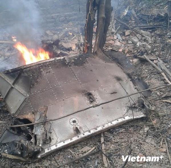 Hiện trường vụ rơi máy bay trực thăng ở Thạch Thất 4