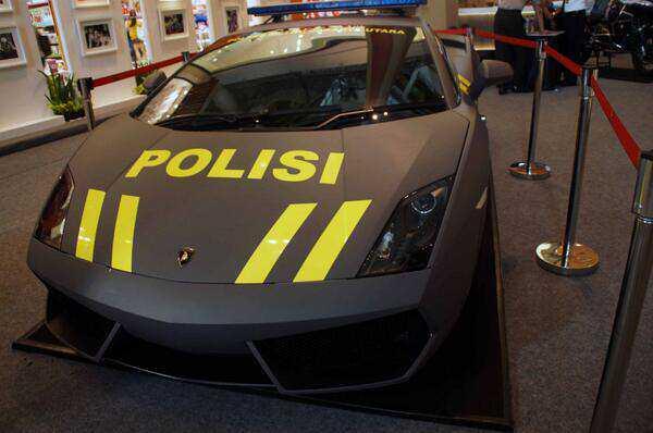 Lamborghini gia nhập lực lượng cảnh sát Indonesia 6