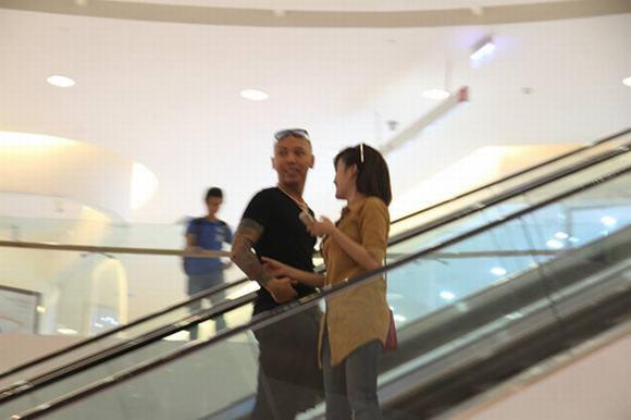 Bà Tưng ngoan hiền bên cạnh bạn trai 6