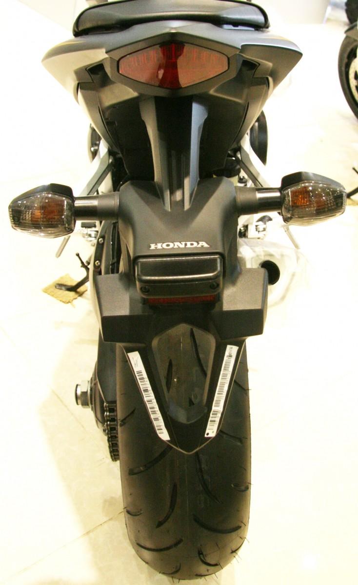 Honda CB1000 : Thiên thần hay sát thủ ? 10