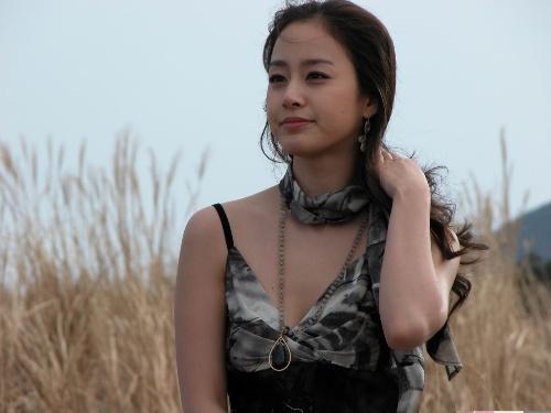 Loạt ảnh cực xinh chưa qua chỉnh sửa của Kim Tae Hee gây sốt 11
