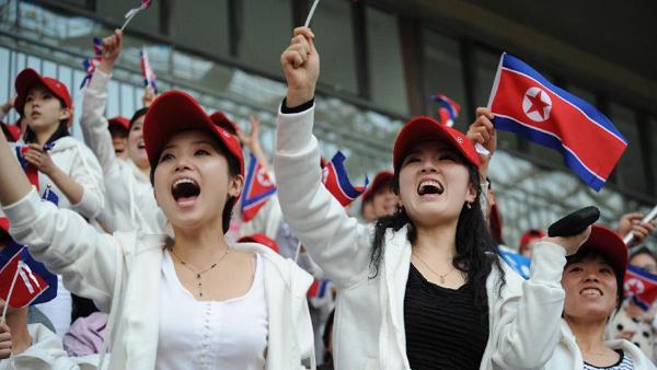 Triều Tiên gửi đội cổ động xinh đẹp tới Hàn Quốc 10