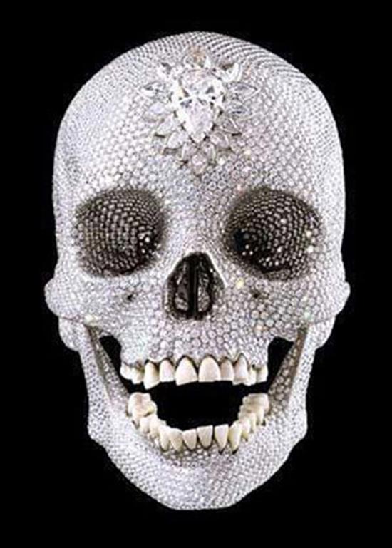 Chiếc đầu lâu nạm 9000 viên kim cương gây sốc trên thế giới 4