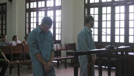 Hỗn chiến gia tộc, cháu 'Việt Kiều' đánh bác nhập viện 5