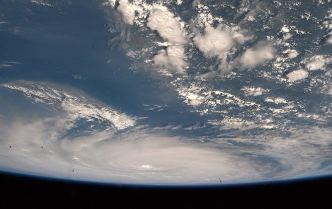 Kinh hoàng với sức mạnh của siêu bão Neoguri nhìn từ vũ trụ 12