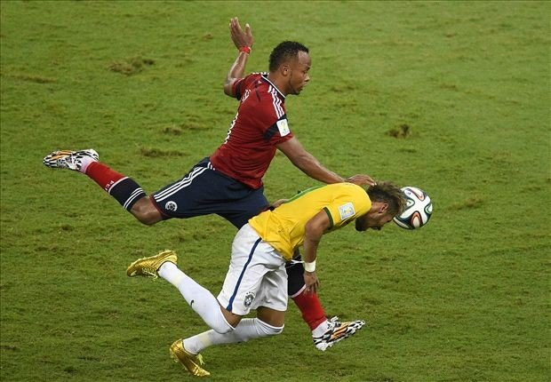 Sốc: Neymar suýt phải ngồi xe lăn suốt đời 8