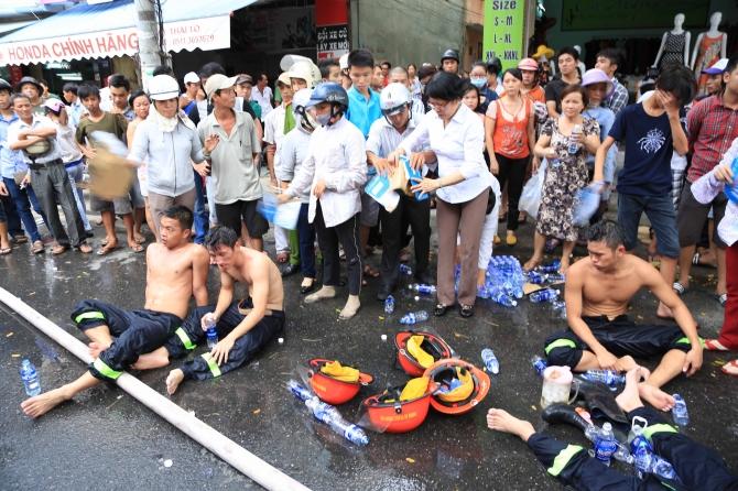 9 chiến sĩ ngạt khí độc trong lúc chữa cháy tại Đà Nẵng 12