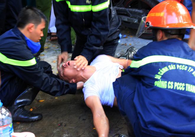 9 chiến sĩ ngạt khí độc trong lúc chữa cháy tại Đà Nẵng 13