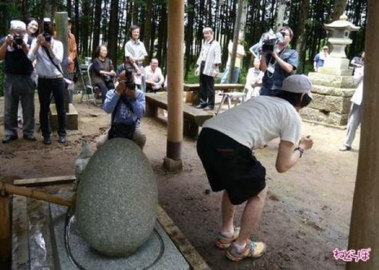 Ngôi đền chữa bệnh trĩ ở Nhật 6