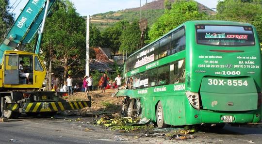 Phú Yên: Tai nạn xe khách nghiêm trọng làm 9 người thương vong 5