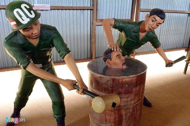 Cảnh tra tấn tù binh rợn người ở Phú Quốc 16