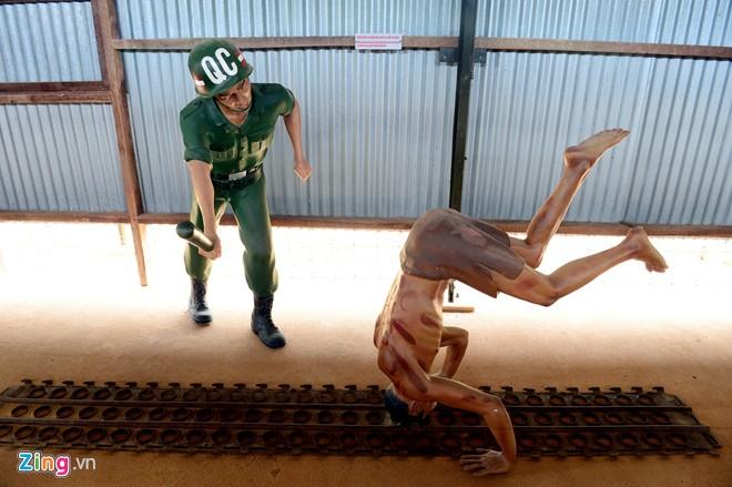 Cảnh tra tấn tù binh rợn người ở Phú Quốc 17