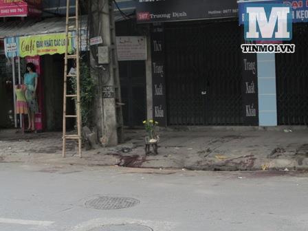 Bị chém chết vì dựng xe máy giữa đường đi tiểu tiện 5