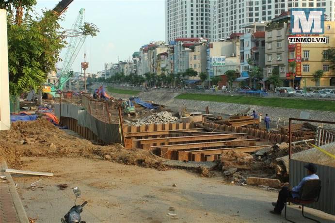 Chùm ảnh: Sập đường Láng, người dân bức xúc vì khắc phục chậm chạp 13