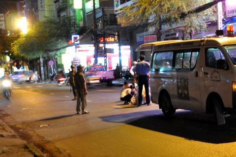 Gây tai nạn, taxi bỏ mặc nạn nhân kêu cứu giữa đường 4