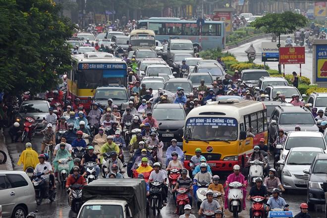 Siêu bão Thần Sấm: Hà Nội mưa lớn, nhiều tuyến đường ngập nặng 15