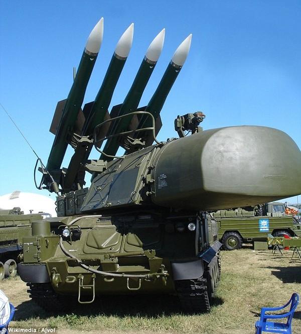 Cận cảnh tên lửa bị nghi bắn hạ máy bay MH17 của Malaysia 5