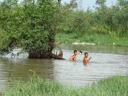 Một học sinh tử vong khi tắm sông 5