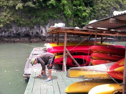Quảng Ninh: Đưa dân lên hang động tránh bão Thần Sấm  5