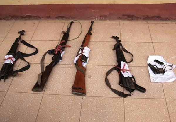 """Đấu súng với 25 kẻ buôn ma túy """"khủng"""", 1 cảnh sát hy sinh 5"""