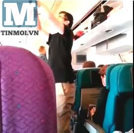 Hình ảnh bên trong máy bay MH17 trước thời khắc định mệnh 7