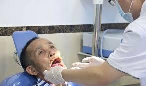 Người đàn ông bị chó sói tấn công sắp được phẫu thuật tái tạo khuôn mặt 7