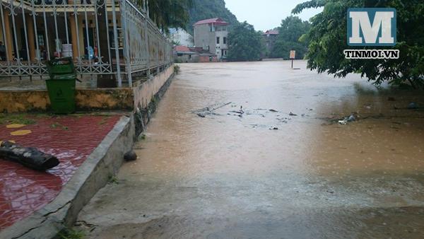 Lạng Sơn chìm trong biển nước vì bão Thần Sấm 21