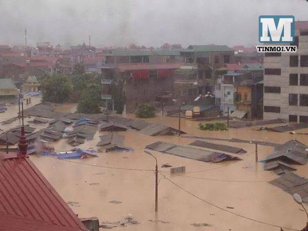 Lạng Sơn chìm trong biển nước vì bão Thần Sấm 6