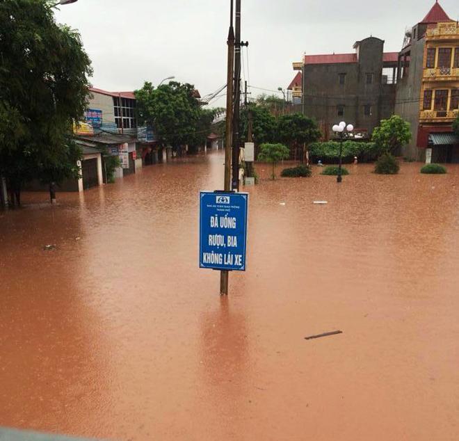 Lạng Sơn chìm trong biển nước vì bão Thần Sấm 19