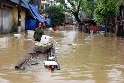 Chùm ảnh: Người Lạng Sơn bơi thuyền giữa thành phố 11
