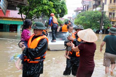 Chùm ảnh: Người Lạng Sơn bơi thuyền giữa thành phố 13