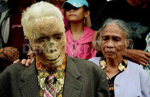 Sự thật chuyện xác chết đội mồ tìm đường về nhà ở Indonesia 6