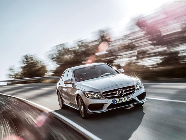 Hình ảnh Mercedes-Benz C-Class tiêu tốn 2l/100km số 3