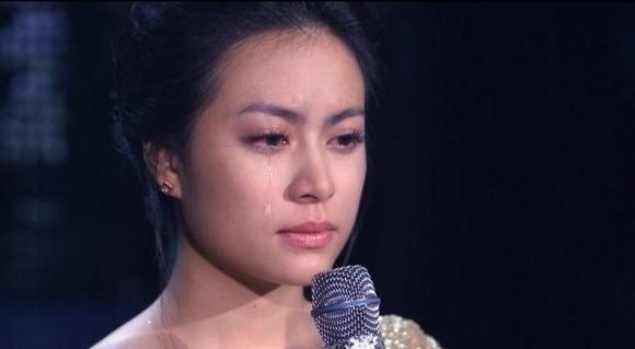 Hoàng Thùy Linh, Ngọc Trinh bật khóc vì chuyện buồn quá khứ 11